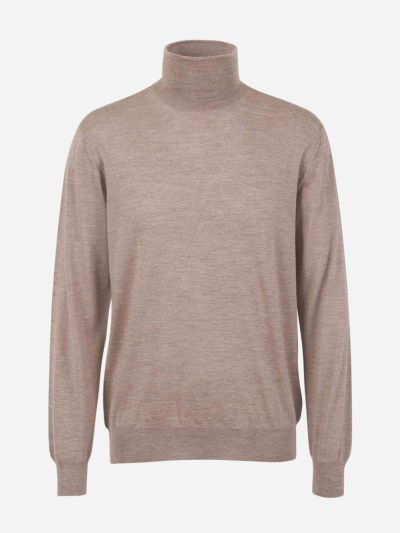 Jumper with high neck