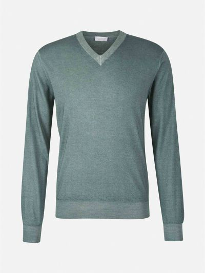 "Cashmere  and  silk  jumper  with  ""V""  neck"