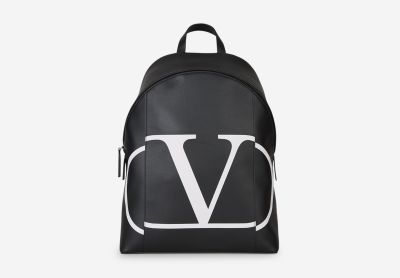 "Leather bag with ""V"" logo"